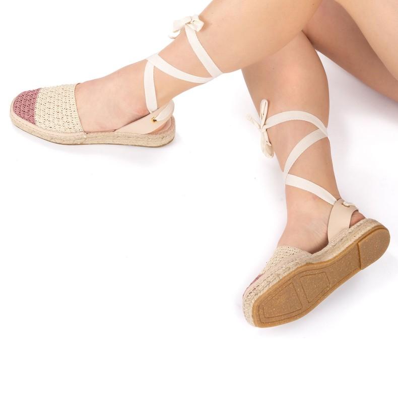 Sandalia con plataforma piel negra