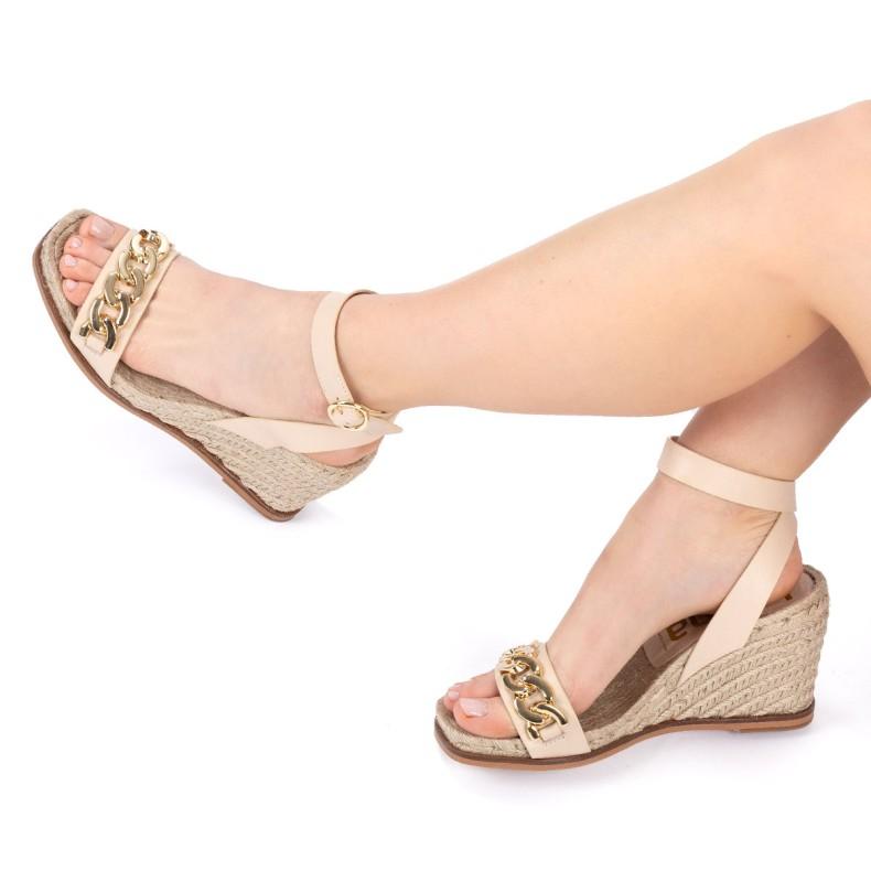 Sandalia con plataforma piel marron