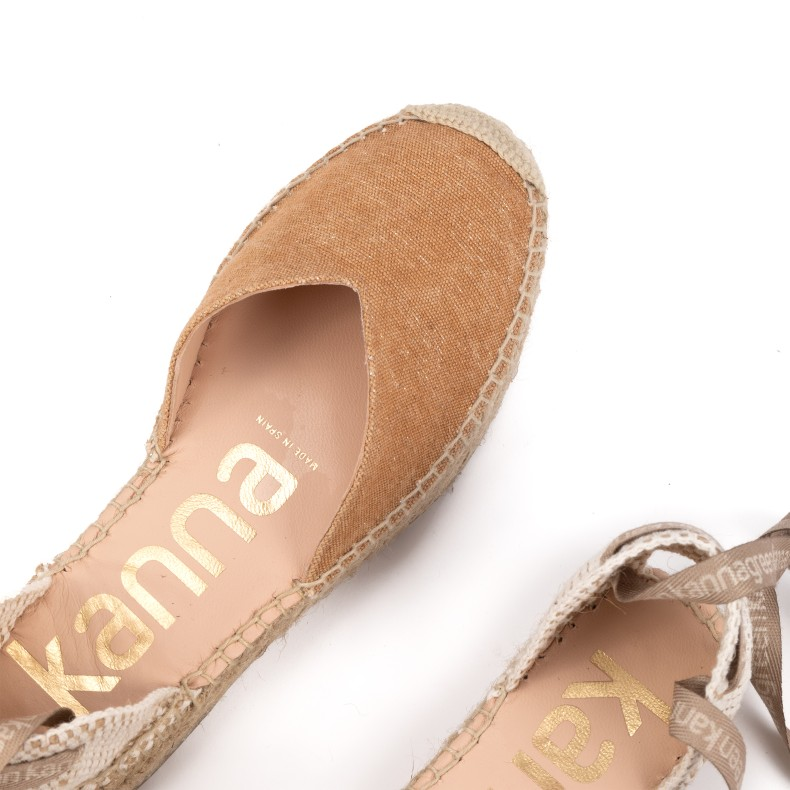 Cross flat sandal
