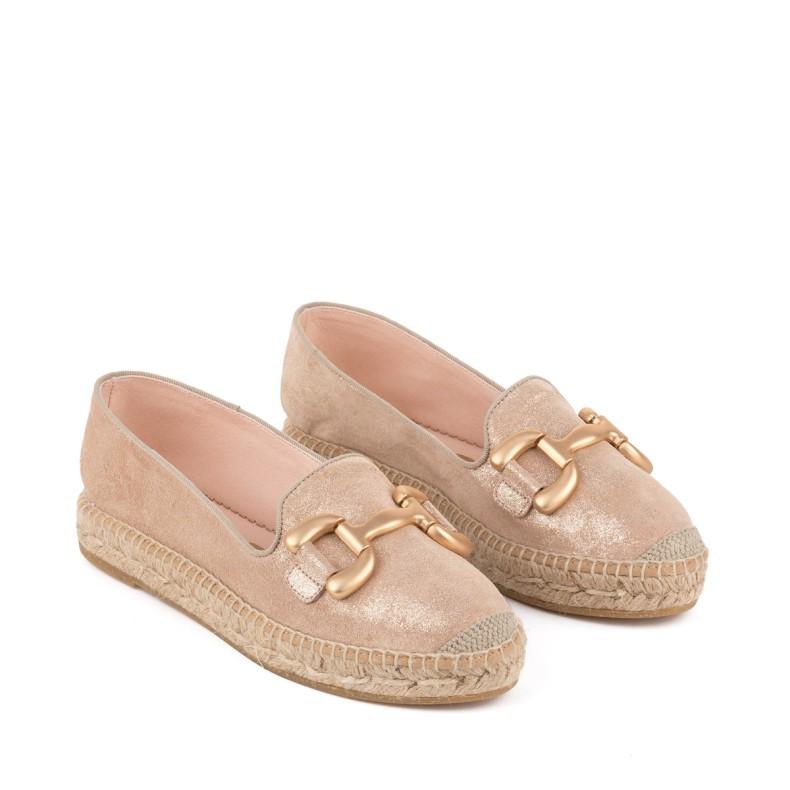 Sandalia con cuña plata