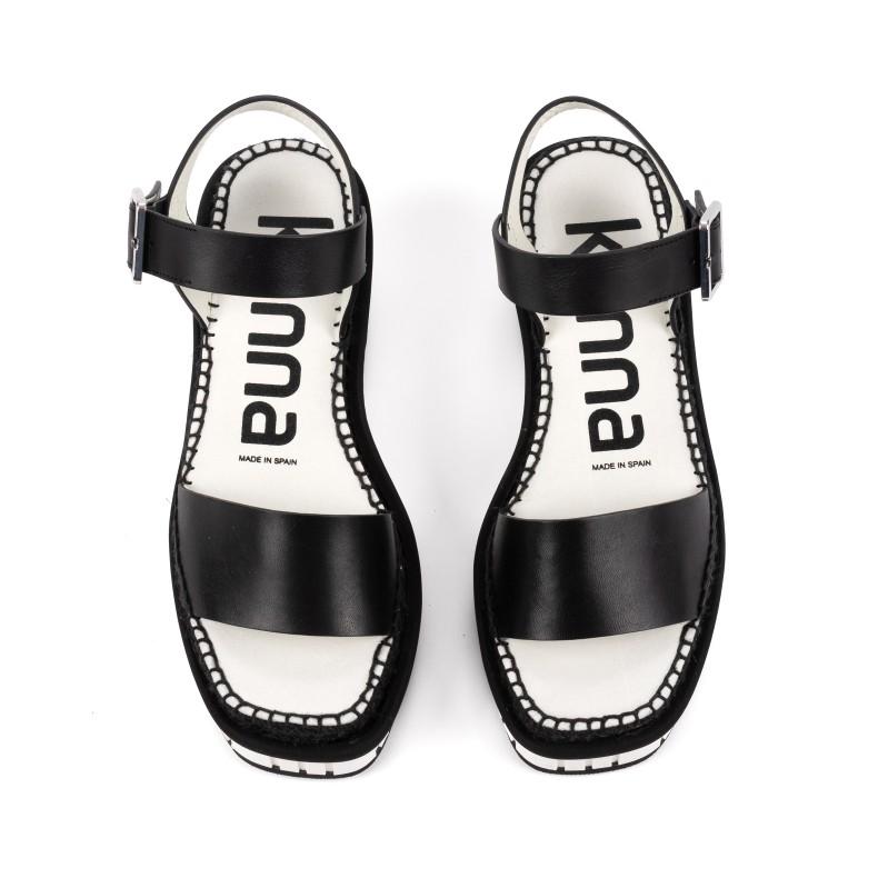 Sandalia amarilla trenzada